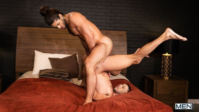 Men - Diego Sans Gives It To Shane Jackson In Piledriver