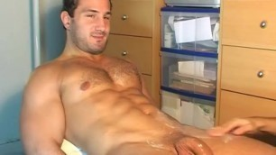 Hetero Guy Gets Shaked his Huge Cock by a Guy in Spite of him : Enzo 28 Y.o