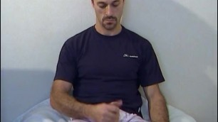 Jason: Testing his Huge Cock by a Guy !