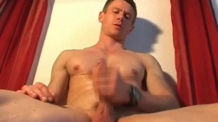 Atletic Guy get Waked his Big Dick in Spite of him !