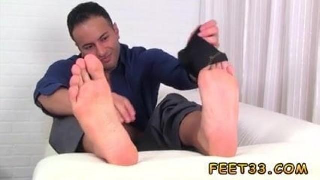 Free gay sex  foot xxx looking On Ravi's Size 10 Feet